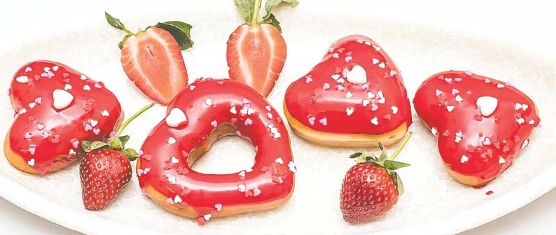 Strawberry american donuts